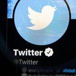 توییتر با برنامه هایی برای راه اندازی پیشنهاد اشتراک ، پیمایش می کند